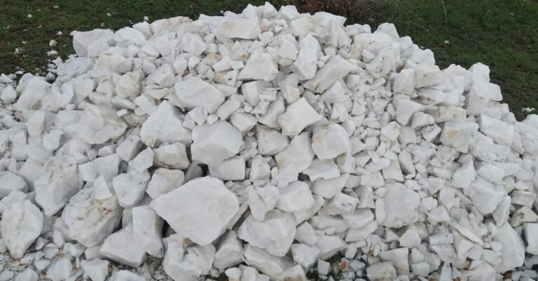 Snow white quartz